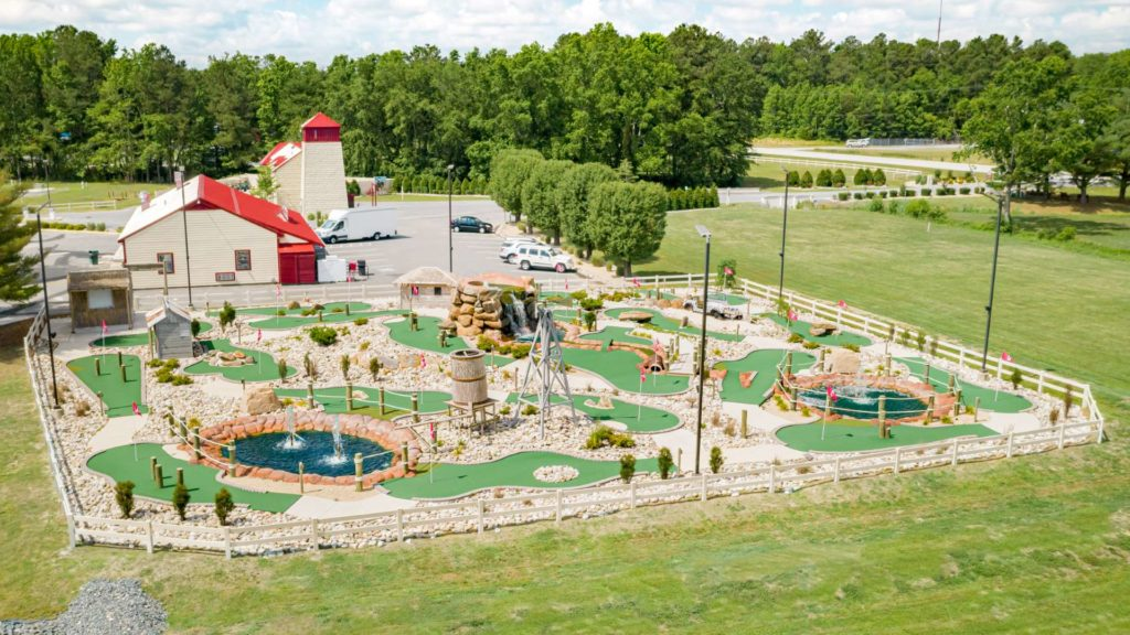 Fort Whaley RV Resort, Vacation Rentals and Campground Mini Golf Course in Whaleyville, MD