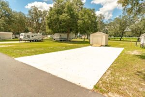 Red Oaks 55+ Resort and Manufactured Homes Community RV Sites with Shed in Bushnell, FL
